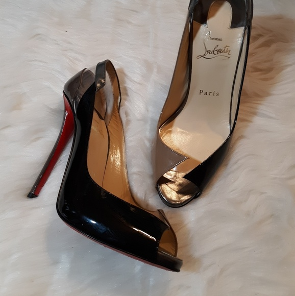 b6af948da36 LOUBOUTIN red bottom avant garde heels
